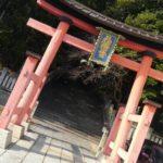 駅裏の神社にお参りしました。
